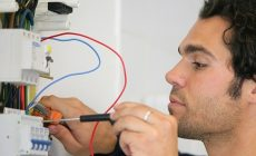 How to test electrical circuits at home?